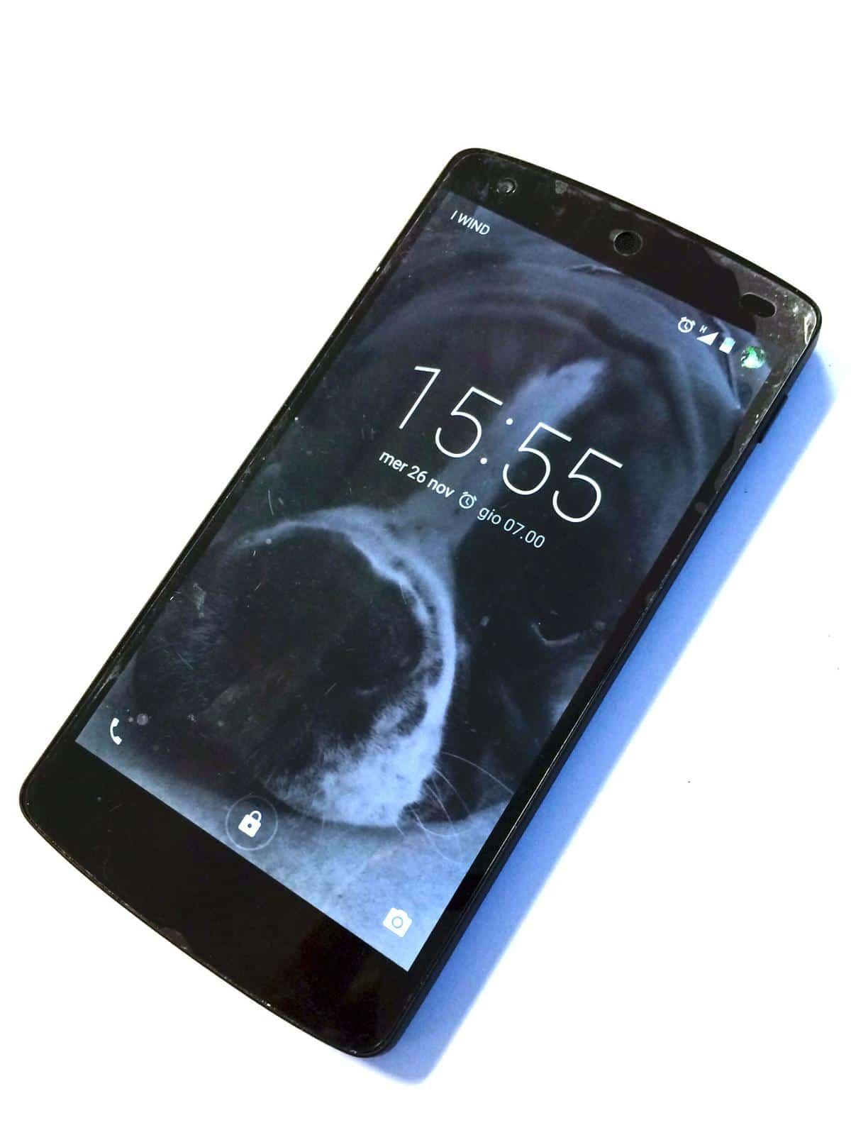 Mini Rencesione Google Nexus 5 Front