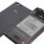 Wiko-Ridge-4G aperto. Vista su batteria, SIM e alloggio SD o seconda SIM