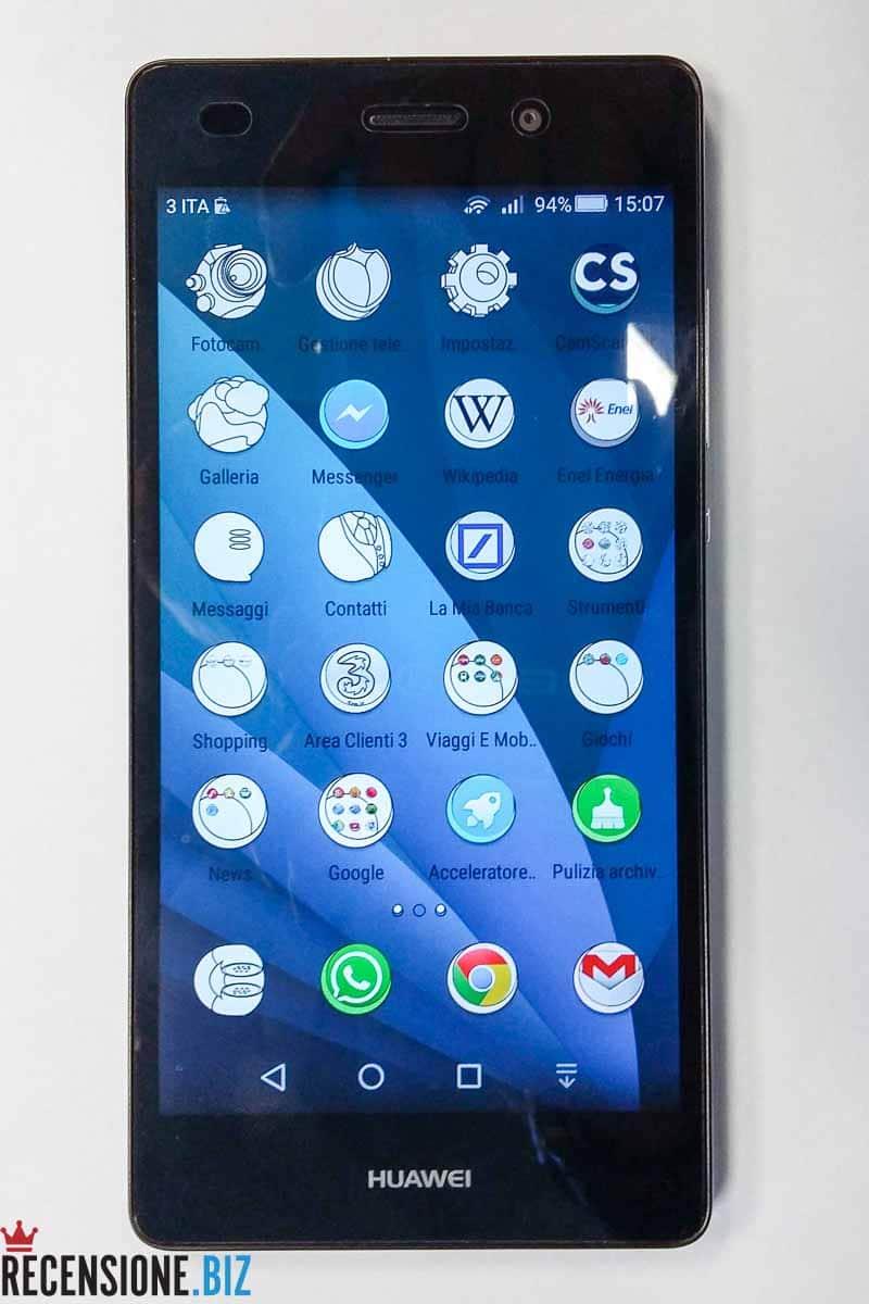 Huawei P8 lite frontale schermo acceso