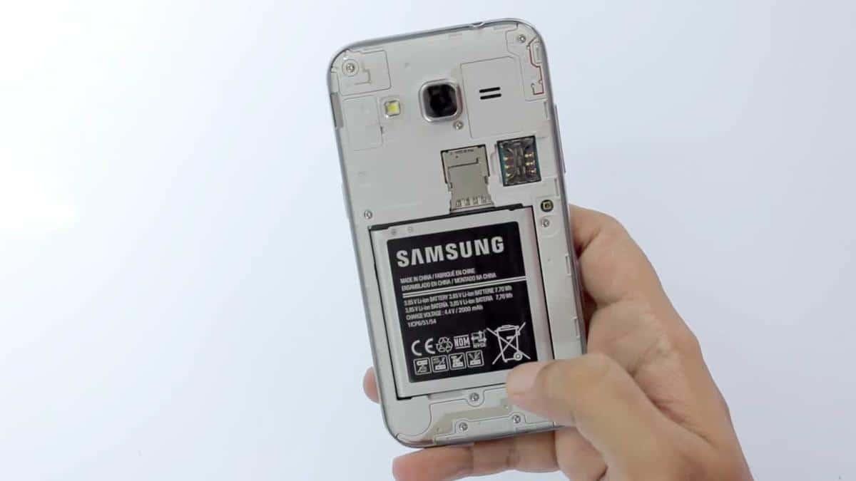 Samsung-Galaxy-Core-Prime-retro-aperto