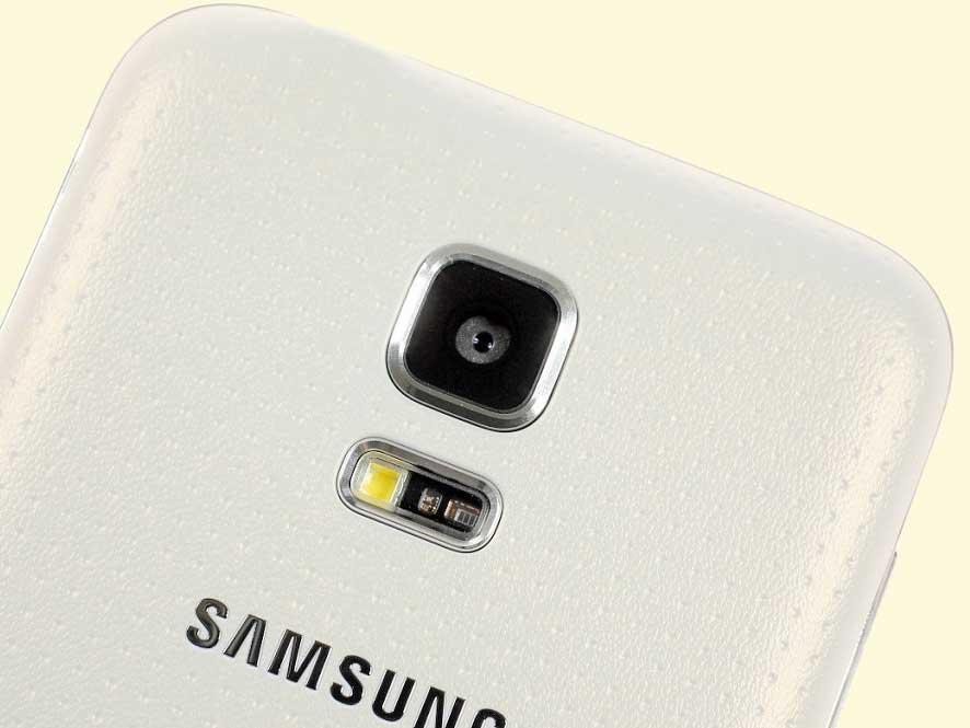 Samsung Galaxy S5-mini - fotocamera e sensore battito cardiaco
