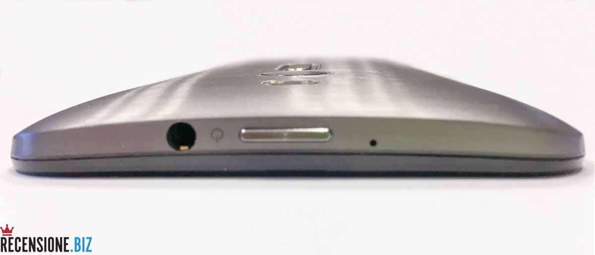 Asus Zenfone 2 ZE551ML dettaglio superiore