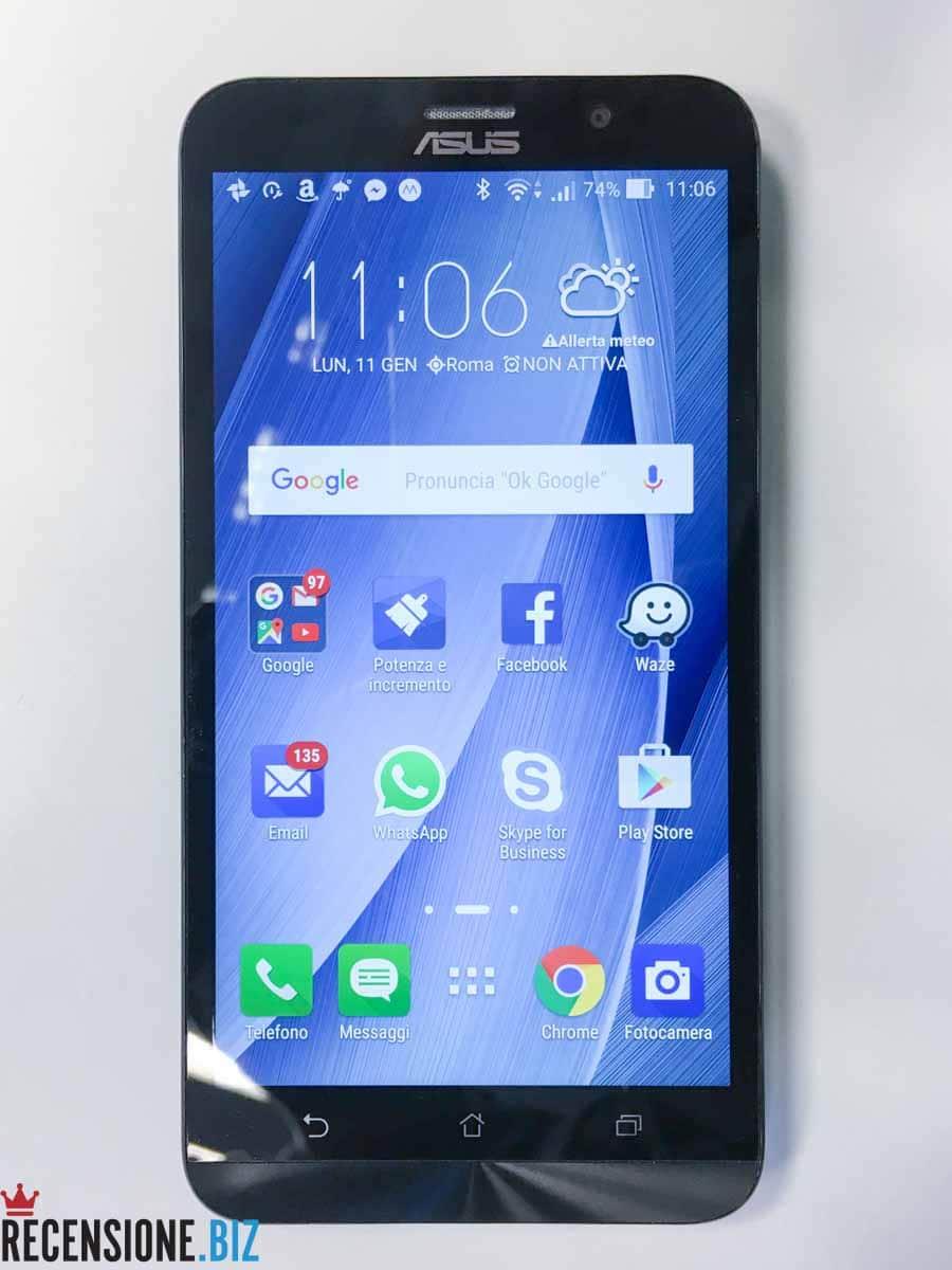 Asus Zenfone 2 ZE551ML frontale schermo acceso
