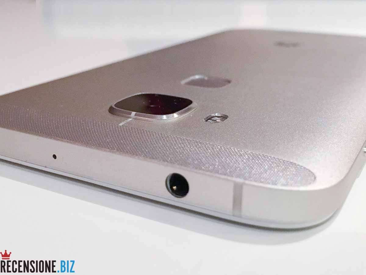 Huawei G8 - lato superiore