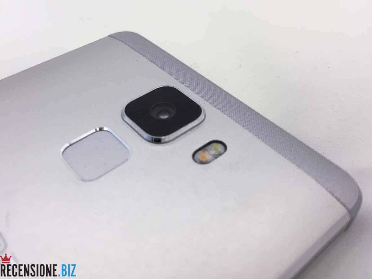 Huawei Honor 7 - dettaglio fotocamera
