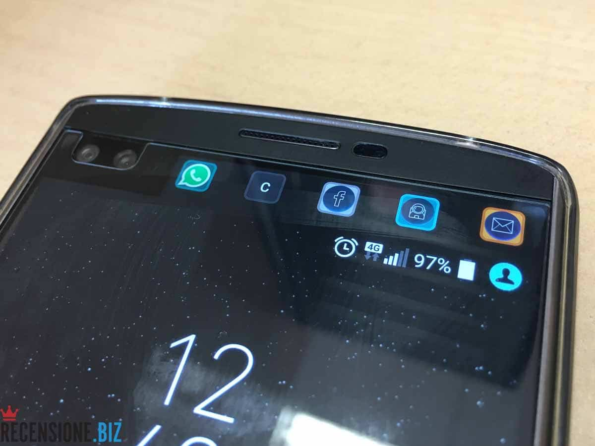 LG V10 close up secondo schermo app