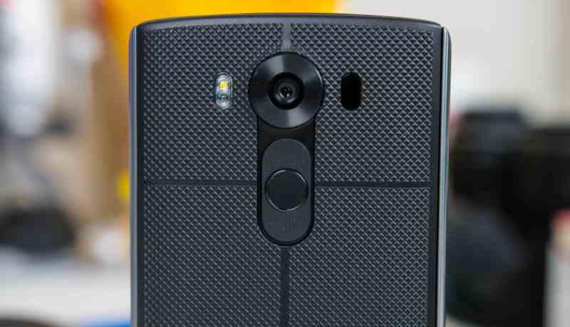 LG V10 - retro particolare fotocamera e sensore impronte