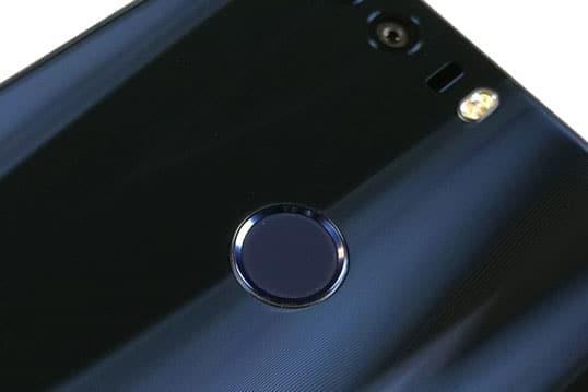 honor-8-particolare-sensore-impronte