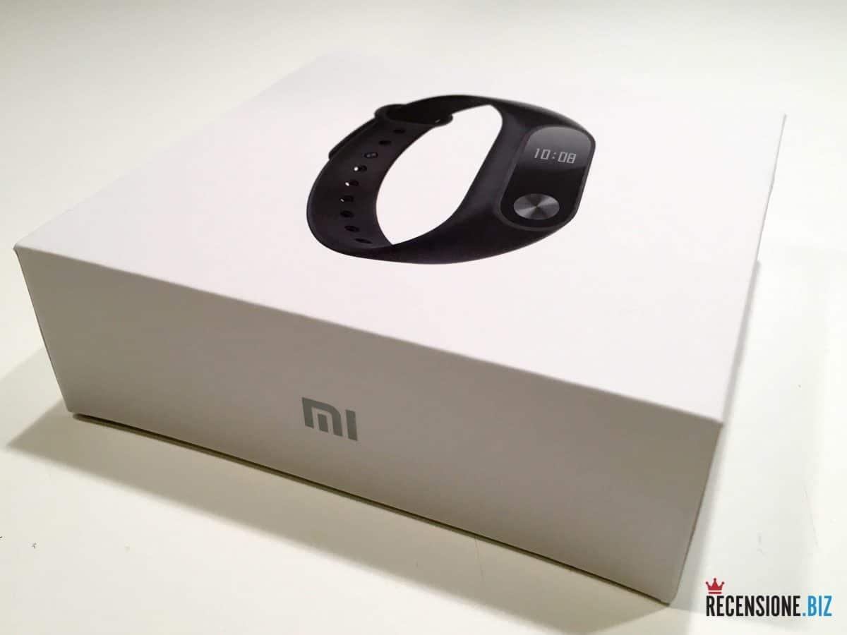 Xiaomi Mi Band 2 scatola tre quarti