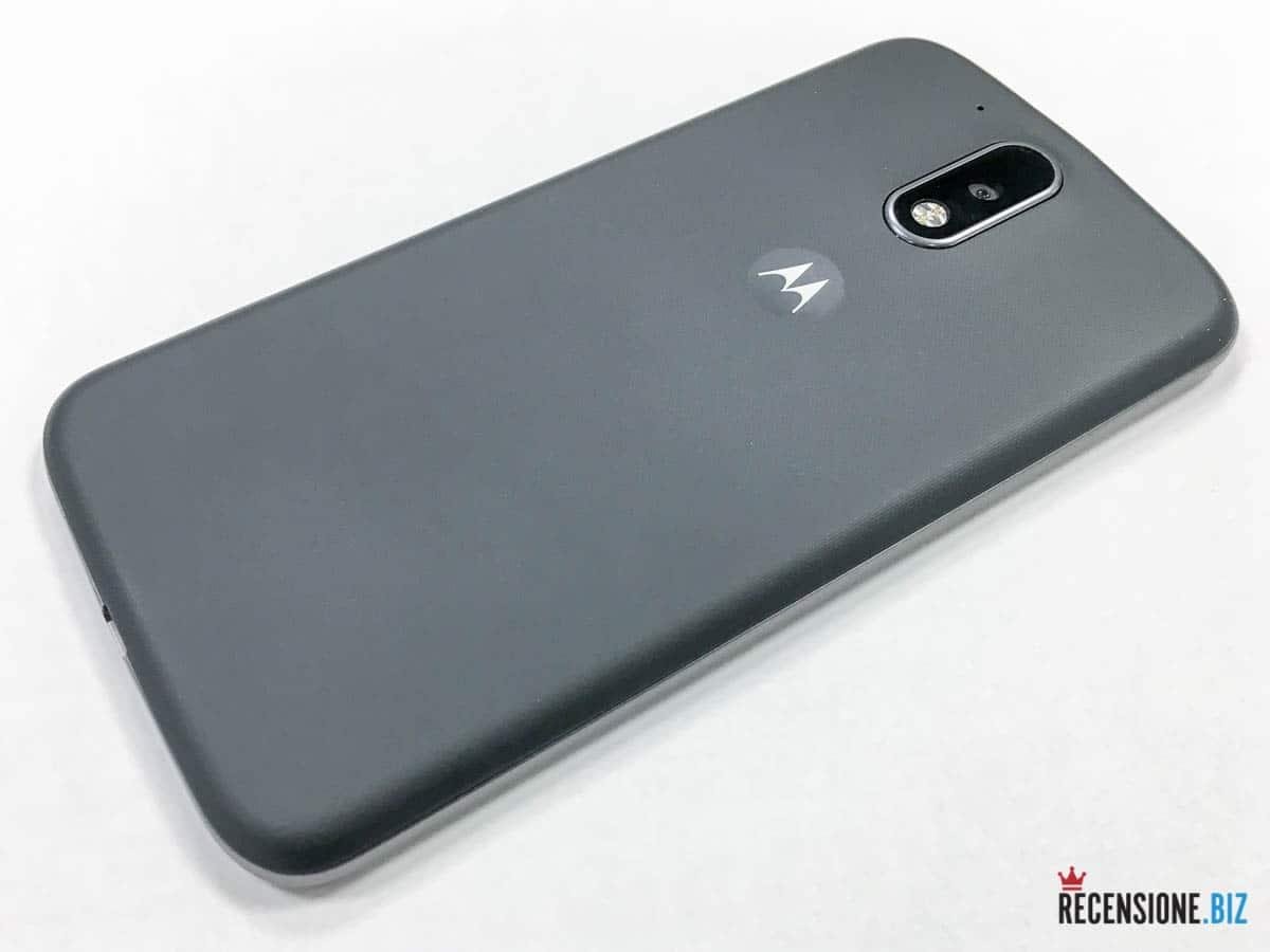 Motorola Moto G4 tre quarti